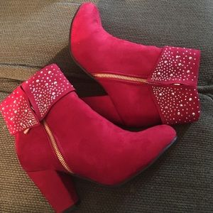 Shoes - Red sued cloth gold zipper for decorative purposes